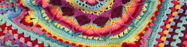 cropped-yarn-bomb-41.jpg